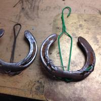 蹄鉄で作るスリッパーハンガー