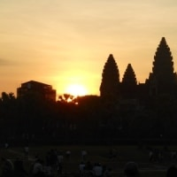 カンボジア・ベトナム旅行記(5)アンコールワットの朝焼け