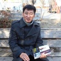 『神でもなく偽でもない人間・金日成』を南北みなが知るべき時」だと強調:中国朝鮮族の作家ユ・スンホ氏(55)