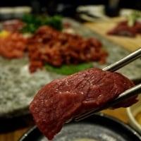 なま肉をそのまま食べる