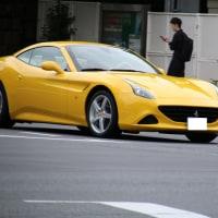 今度は黄色いフェラーリ