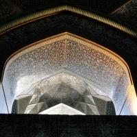王族専用だったモスクの、ドーム内側窓の光の神秘さ