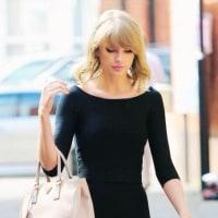 テイラー ストリート・ライブ Taylor Swift - Red (Live)