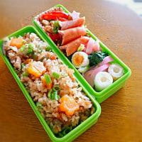 4/10 鶏ときのこの炊き込みご飯なお弁当