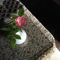 まなざしの夕べ漂ふ薔薇覗く淡き花粉のごときは我にも