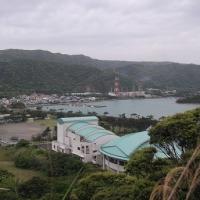 青い屋根は龍郷町りゅうゆう館ホール