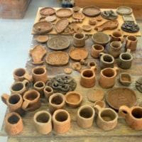 うるま市立与勝中1年☆焼き物作りにチャレンジした作品を回収してきました。