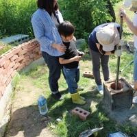 井戸の内部の砂取り:井戸の中に入らなくても地上から土砂は除去できます。