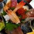 今年度最後の御浜町出張で「花のいわや亭」の海鮮丼セット食べて来た🍴
