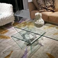 暮らしの空間を設計デザインする途中・・・・LDKにガラスのテーブルで生まれる付加価値を視野に「透ける」という意味をデザインに取り入れてリビングテーブル検討の途中。