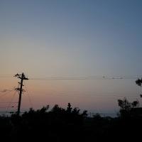 3月28日、日の出まで。穏やかな空の、色のかすかな変化。