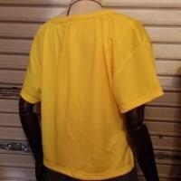 ひまわりイエローのTシャツ、カットソー