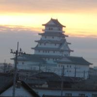 石下駅の歩道橋から明るくなった「地域交流センター」別称「豊田城」を撮影