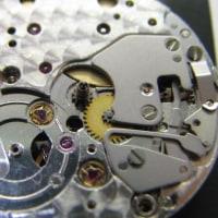 オメガ手巻き時計とロレックス婦人物SSモデルを修理です