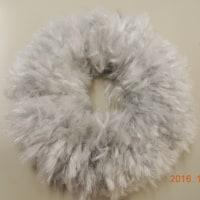 毛糸で作るリース