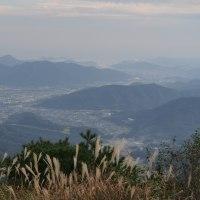 名峰東鳳翩山山頂から