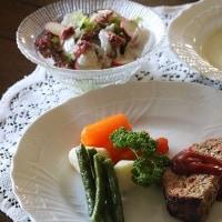 レシピ付き献立 野菜たっぷりのミートローフ・そら豆のスープ・桜花サラダ
