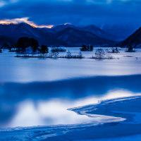 秋元湖(冬の朝景)