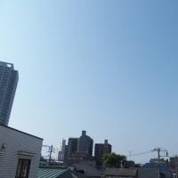 今朝(5月23日)の東京のお天気:晴れ、5月(後半)の作品:花を持つ童子