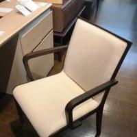 肘付食堂椅子