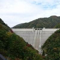 紅葉の長井ダムでららランチ♪
