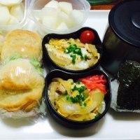 親子丼とソフトフランスのサンドイッチ