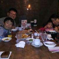 みんなで食べに行きました!
