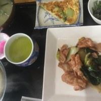 3月13日の日替り定食550円は 豚肉と白菜の梅肉炒め です。