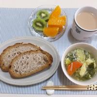 野菜スープと奄美大島のたんかんで 朝ごはん