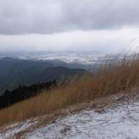 岩湧の森を歩く  滝畑からカキザコ尾根道を歩いて吹雪の山頂へ 2017年2月7日 その2