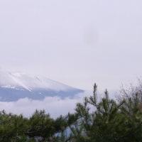 昨夜浅間山には雪が降った