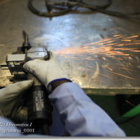 精密板金加工で使う電動工具「サンダー」