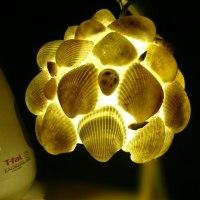 貝殻のランプシェード