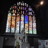内部は木彫り細工で飾られたマンチェスター大聖堂!
