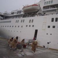 客船「ブレーメン」船川港寄港歓迎セレモニー