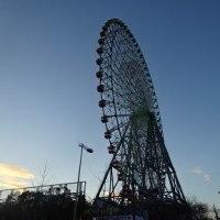 * Ferris wheel *