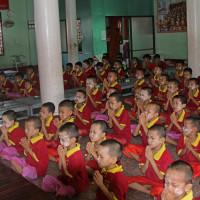 ミヤンマー ヤンゴン市内の寺小屋 3