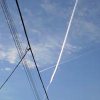 飛行機雲が