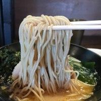 【千葉ラーメン最新】昨年6月に勝浦に凱旋した「マスターピース」の一宮店を訪問、一番人気のとん辛マー油とんこつラーメンを実食!