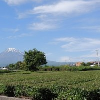 五月の蒼い空と富士山