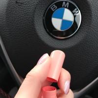 F31女子 BMWのシートの隙間に.....