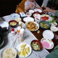 孫たちと一緒の夕食