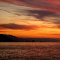 燃える 明石海峡