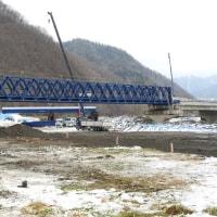 千露呂橋の仮橋の橋桁