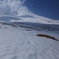 富士山 今冬五回目の「白い台地... 」追い ⇒今冬、最後のチャンスと思って...