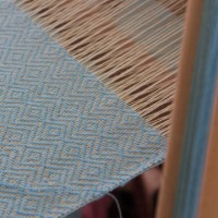 ダイヤ地紋のショール    竹島クラフトセンター