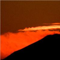 「今日の夕焼け」と「燃えるような富士」