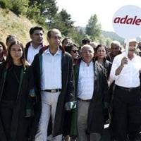 「私は緊張のないトルコを望んでいる」と行進中のCHP党首