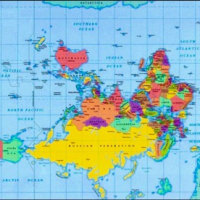 丸い地球を「私たちの地図」から見る