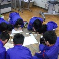 6年生を送る会に向けての縦割り班活動をしました!